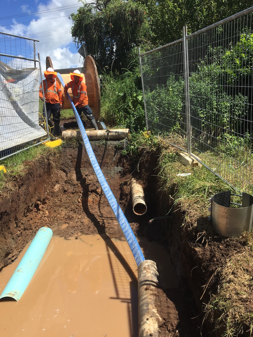 How trenchless pipe laying is performed: features of the method example of operation 43