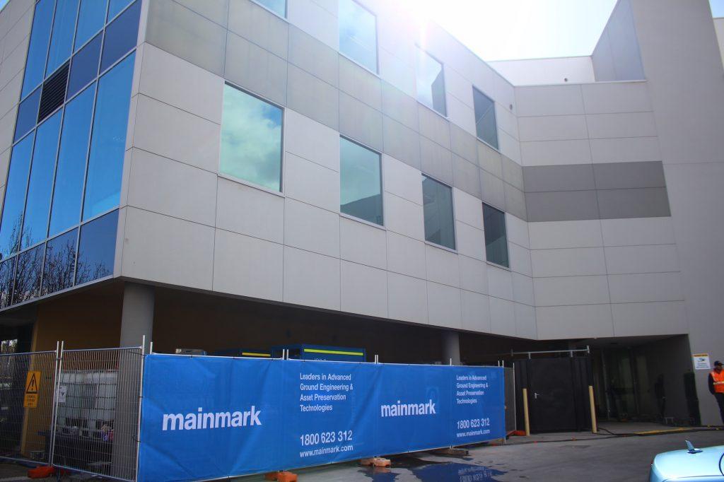 Commercial building JOG